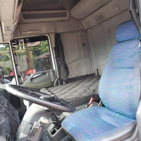 Caminhão Iveco Cursor 330 2011 4x2 (toco) - Foto 7