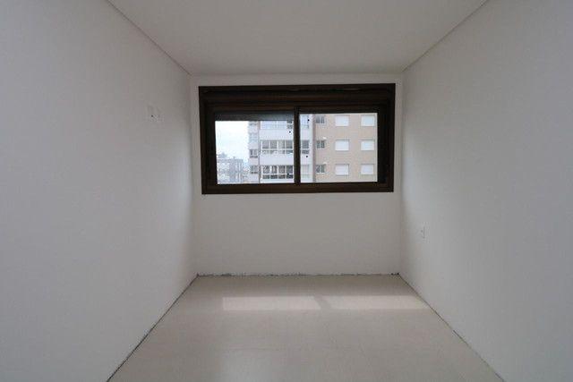 Apartamento 3 dormitórios próximo as 4 praças - Foto 7