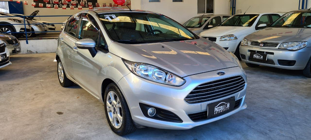 Ford fiesta Hatch 1.6 automático 14/15 - Foto 13