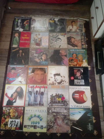 Lps a venda varios gêneros musicais