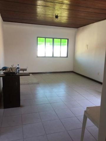Casa no Candeal, 3 quartos, ventilada, alto, muito ampla