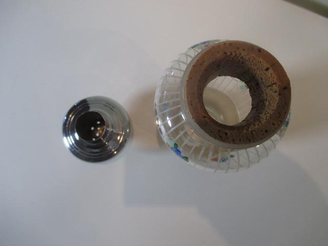 Coqueteleira de vidro decorado anos 50 ou 60 sem a tampinha - Foto 4