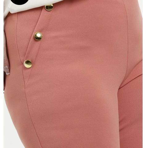 Calça Plus size botões dourados - Foto 5