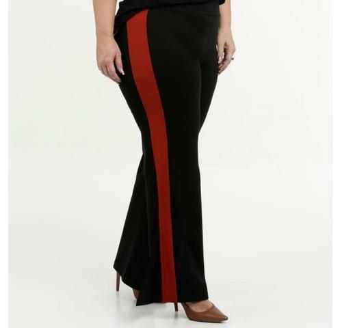 Calça Plus size preta com detalhe vermelho - Foto 6