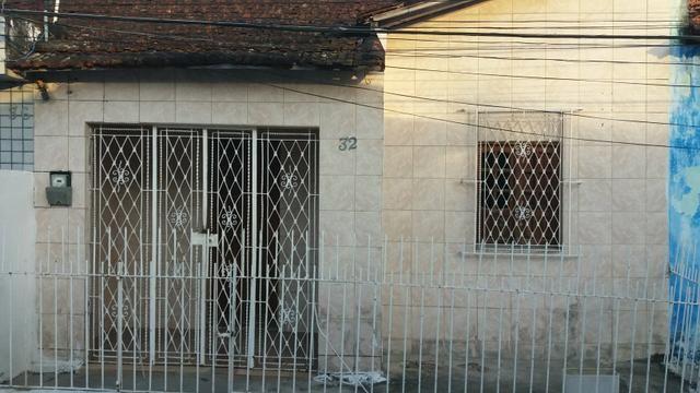 Alugo uma casa no Arruda