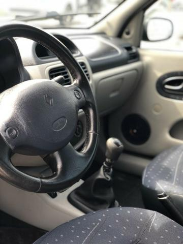 Renault/ Clio sedan 1.0 completo 2004 - Foto 5