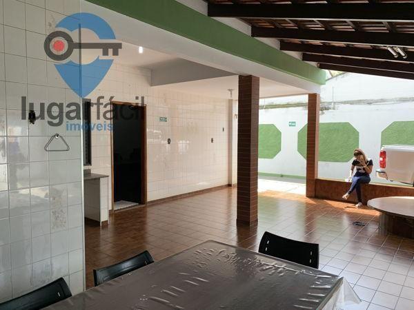 Casa sobrado com 4 quartos - Bairro Cidade Jardim em Goiânia - Foto 12