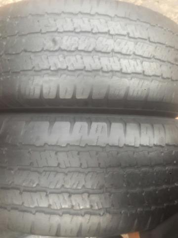 4 pneus 235/75-15 Michelin meia vida - Foto 2