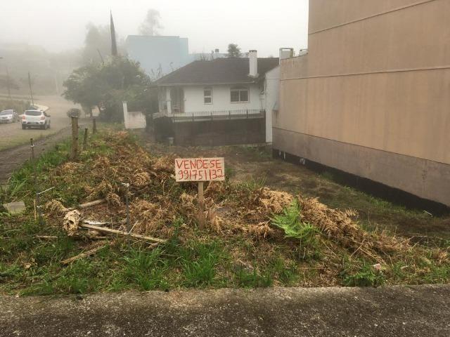 Terreno de esquina no bairro Colina Sorriso