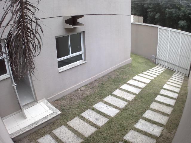 APM-09-Apartamento com Excelente Quintal Próximo ao Centro Comercial de Laranjeiras - Foto 3
