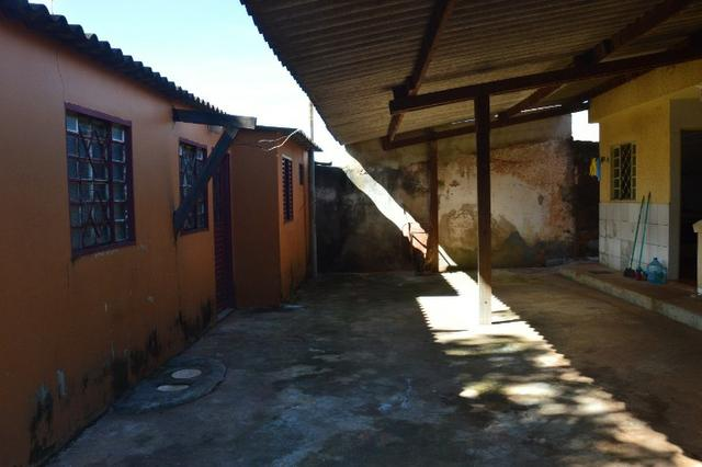 Casa na laje de esquina na Qd. 13 Setor Sul - Aceita Financiamento e FGTS - Foto 2