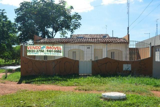 Casa na laje de esquina na Qd. 13 Setor Sul - Aceita Financiamento e FGTS