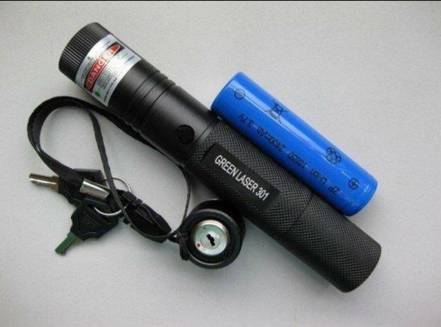 Super Caneta Laser Pointer Verde Longo Alcanse 18 Km - Foto 3