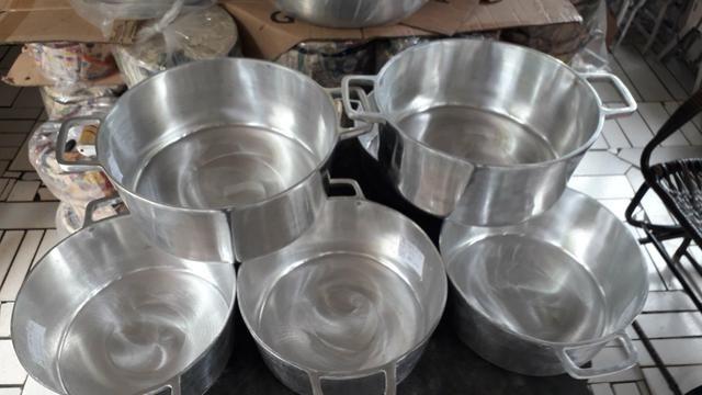 Panelas de alumínio batido de todos tamanho