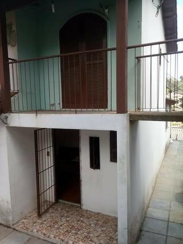 Casa dois pisos com garagem e piscina - Foto 8