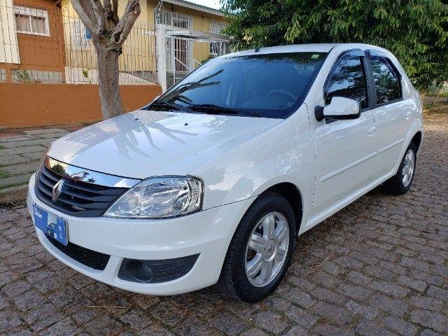 Renault Logan 1.6 Expression ** Automático **