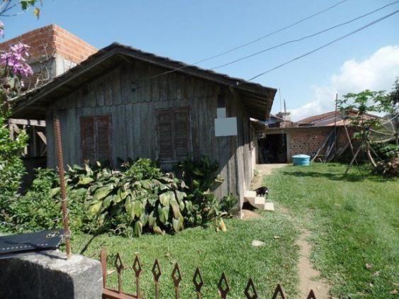 Terreno com casa em Perequê - Porto Belo