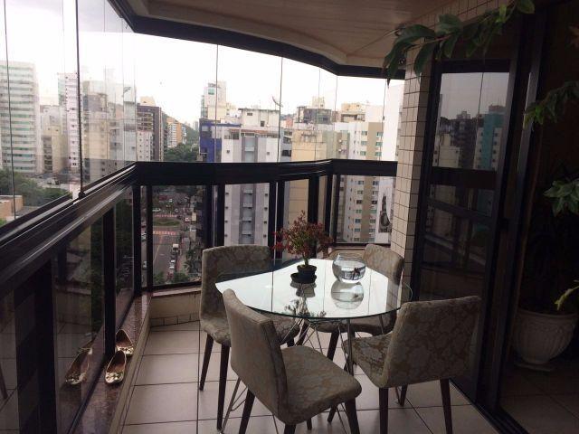 Apartamento na Praia do Canto, 3 quartos