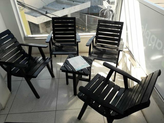 Conjunto de Cadeiras com mesinha Rústico