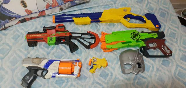 Kit com 5 armas e 1 acessório