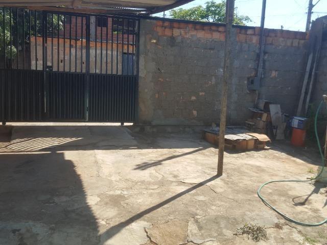 Lote de esquina com barraco de fundo no Paranoá - Foto 2