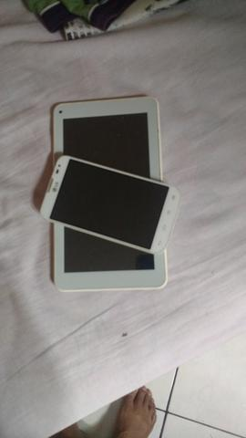 Vendo um celular e um tablet