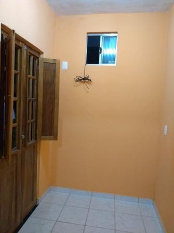 Alugo casa com 2 quartos a 100 metrôs do metrô da mangueira R$500 já com a água incluso
