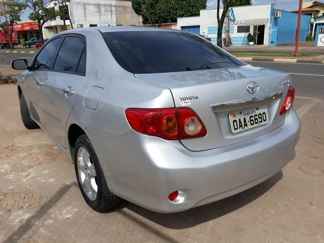 Vendo corola Toyota modelo 2011. 1.8 prata. R$31.000 . * - Foto 3