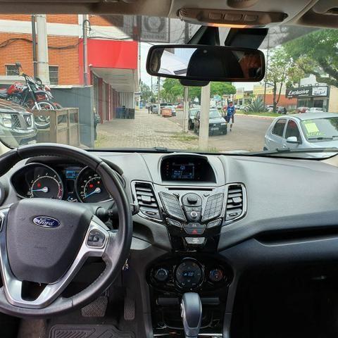 Super oferta Fiesta Sedan Titaniun ano 2014 completo apenas 40000km - Foto 6