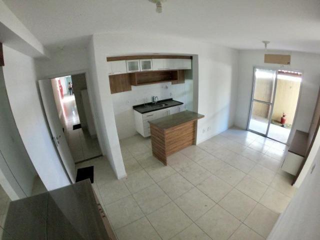 Lindo Apartamento 3 Quartos com Suíte + Quintal Privativo no Villaggio Limoeiro