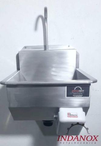 Lavatório assepsia mãos e antebraço cozinhas industriais açougues frigorificos