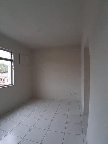 A RC+Imóveis vende um excelente apartamento no centro de Três Rios-RJ