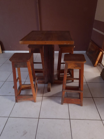 Mesa bistrô madeira de lei