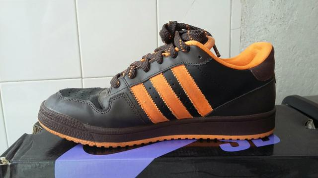 adidas comptown st