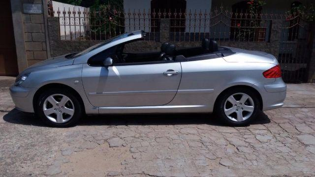 fiat uno juiz de fora olx with Peugeot 307 Conversivel Impecavel 385884619 on Fiat Uno 283544821 as well Peugeot 307 Conversivel Impecavel 385884619 moreover Yamaha Rd 135 Rd 293682159 likewise Uno 334587455 together with Fiat Uno Way 1 0 480775096.