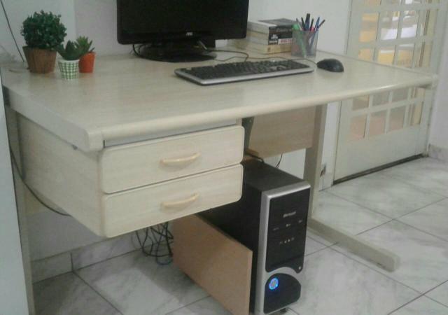 Mesa para escritório, excelente estado