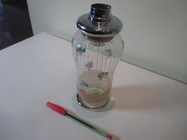 Coqueteleira de vidro decorado anos 50 ou 60 sem a tampinha - Foto 3