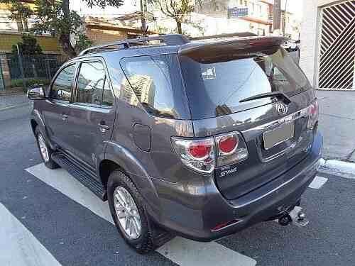 Toyota Hilux 3.0 SRV 4X4 - Foto 2