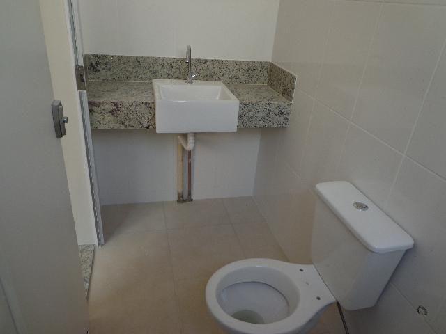 Apartamento com aproximadamente 72,80 m² com sala para 2 ambientes, 03 quartos sendo 01 su - Foto 6