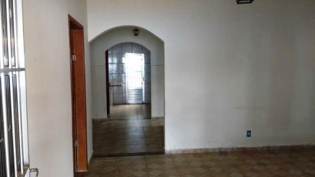Casa 5 qtos 1 suite 3 banheiros garagem coberta 5 carros - Foto 9