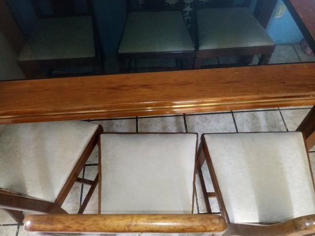 VENDO Mesa de madeira 6 cadeiras - Foto 5