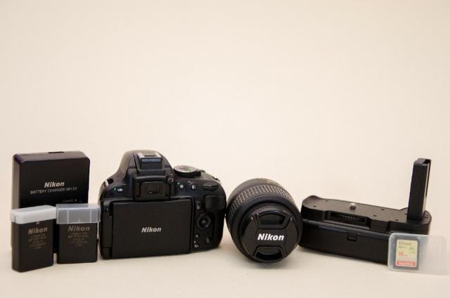 Kit Nikon D5100 + Lente+grip+bateria Extra + Cartão Sd + Bolsa -Muito Nova - Foto 6