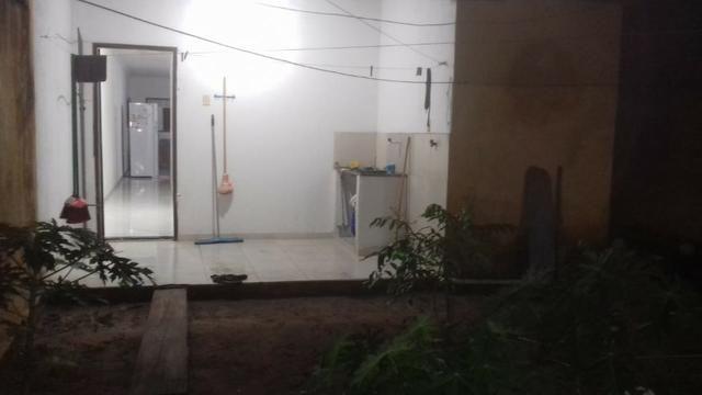 Vendo casa 2/4 sendo 1 suite com dependência completa e quintal e garagem coberta - Foto 4
