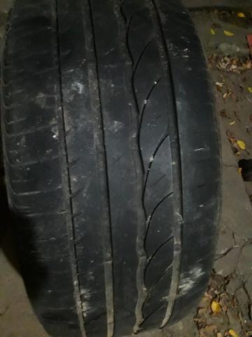 Vendo pneu para cruzer 225/50/17 muito novo original - Foto 2