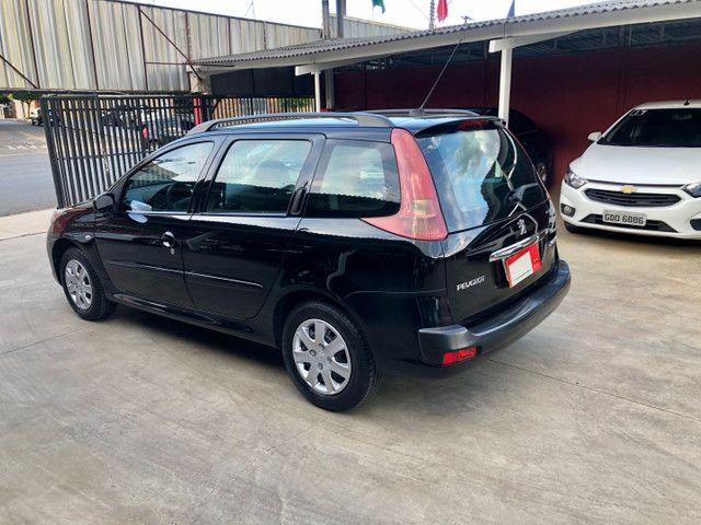 Peugeot 207 SW 1.4 Completo com pneus novos. - Foto 4