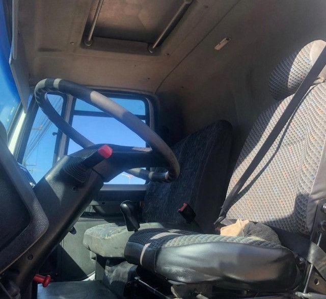 caminhao ford cargo 816 basculante 2013 - Foto 5