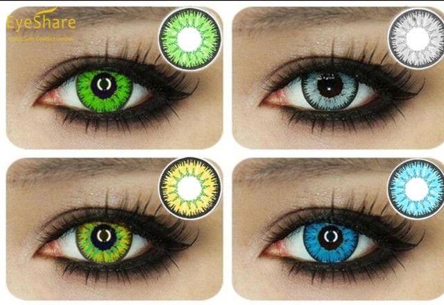 Par de lentes coloridos