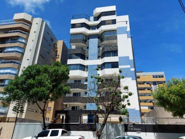 Venda - Ótimo apartamento na 1° quadra de Ponta Verde