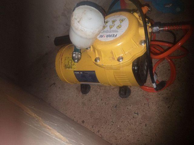 Vendo compressor semi novo poucos meses de uso