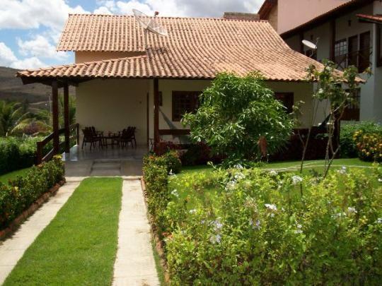Casa Mobiliada para Temporada em Gravatá (4 qts, 3 suítes, churrasqueira, área lazer)